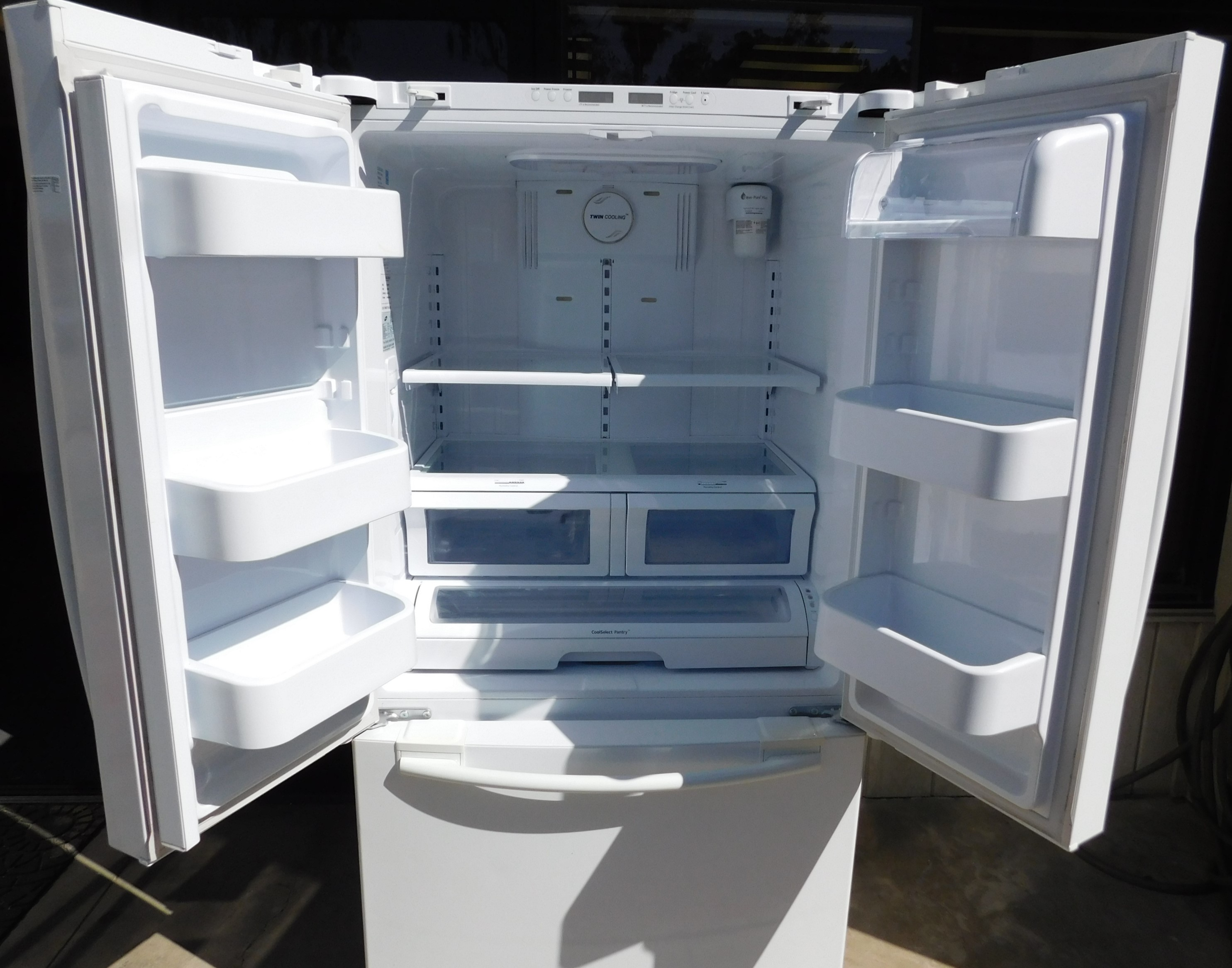 27 Cu Ft Samsung Side By Side Refrigerator With Bottom